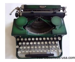 VINTAGE 1930'S ROYAL TYPEWRITER -GREEN