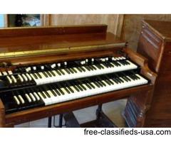 Hammond B3 with Leslie 122 speaker