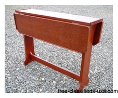 Commodore's DROP LEAF TABLE