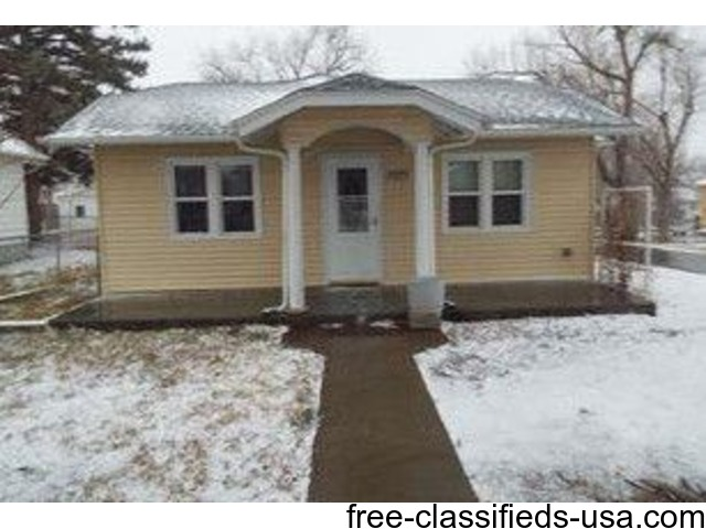 3 bedroom 1 bath home with steel siding houses