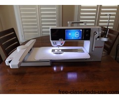 Bernina B880 Sewing Embroidery Machine with accessories