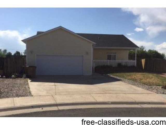 large newer home for rent in laramie