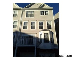 Beautiful Townhome available Immediately - $2000 / 3br - 1630ft2