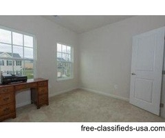 room for rent in beautiful newly constructed single family home