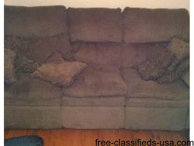 Couch for sale | free-classifieds-usa.com