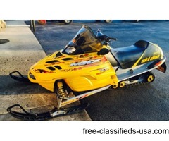 GREAT VALUE! 2002 Ski-Doo MXZ 700 Snowmobile in Yellow and Black