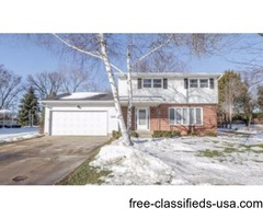 Meticulously Maintained 4 Bedroom Home In Desirable Neighborhood