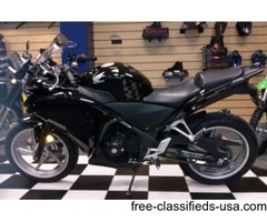 2011 Honda CBR 250 Sport Bike. 1 Owner, Low Miles, Like new