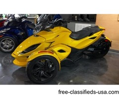CLEAN 2013 Can-Am Spyder ST-S SE5 Roadster Motorcycle stock