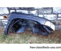 Right fender & radiator to '94-'01 Dodge Ram pickups