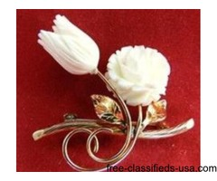 Antique Gold Winard Ivory Carved Roses Pin