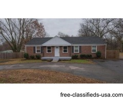 NEW LISTING! Ranch style 3br 1ba in Great Location!