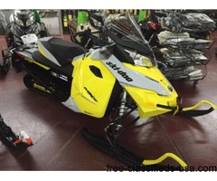 NEW 2015 Ski-Doo MXZ TNT Rotax 800R E-TEC Snowmobile stock