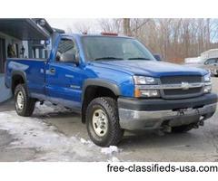 2004 Chevrolet Silverado 2500HD 2dr Regular Cab Work Truck 4WD LB