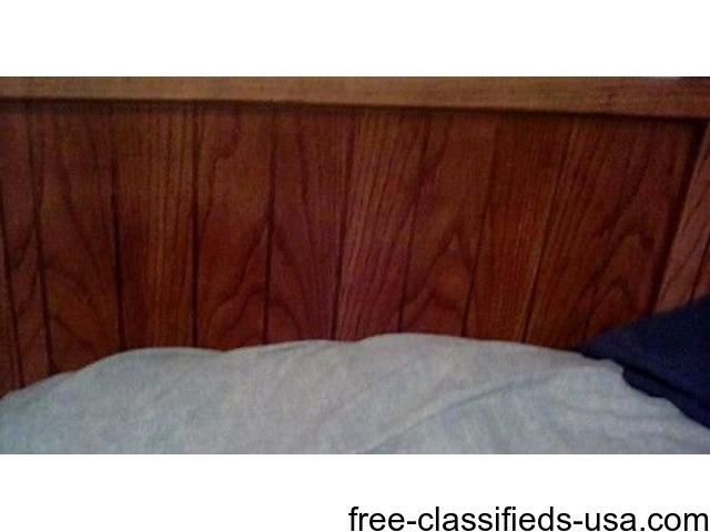 5 piece bedroom oak furniture w queen mattress | free-classifieds-usa.com