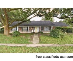 3 BEDS/ 2 BATHS, LARGE HOME FOR RENT