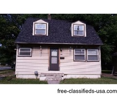 2 Bedroom 1.5 Bath home close to everything!