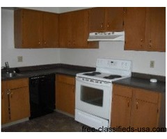 Clean 3 bedroom - This 3 bedroom duplex has 2 bedrooms