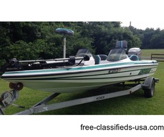 Exceptional Condition Bass Boat w/200HP & Trailer