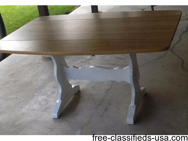 Kitchen Table Small House Or Apartment Size 2 Fold Down Leaves