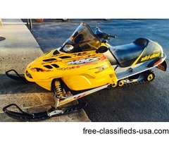 2002 Ski-Doo MXZ 700 Snowmobile in Yellow and Black