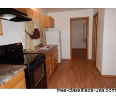 1 bed room house with bath/spacious