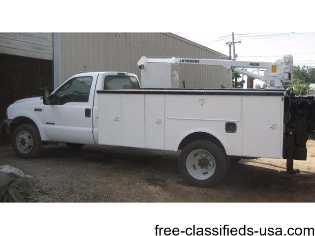 2003 Ford F550 4x4 uutility crane service truck