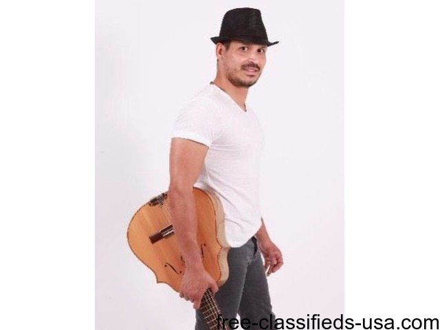 Guitar and Piano classes with recognized cuban musician
