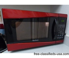 West Bend 0.9-cu. ft. 900-Watt Microwave (Like new) for sale at $45