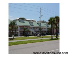 Beautiful Vacation Condo on Floor One in Destin, Florida