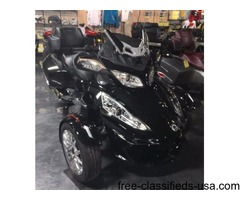 New 2016 Can-Am Spyder RT Limited Motorcycle, #M1644