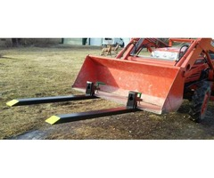 New tractor forks for tractor bucket or skid steer