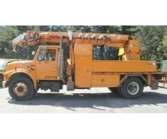 2001 International 4700 w/ Altec Digger