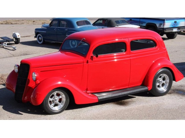 1935 Ford Slantback Sedan
