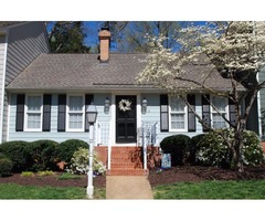 Updated 2 bedroom/2bath townhouse in great location