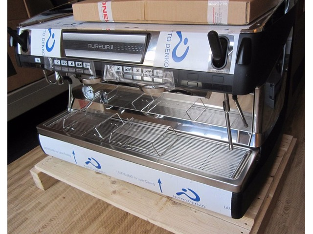 Commercial Espresso Machine for a Busy Coffee Shop