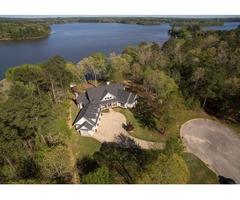 Beautiful Home on Lake Tuscaloosa!