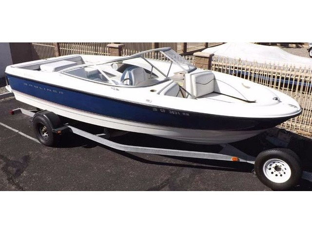 2005 Bayliner 215 Bow Rider 21