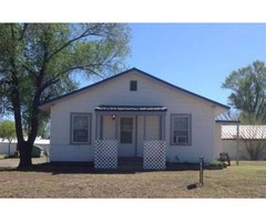 2 bd/1ba, vinyl siding, metal roof, rewired