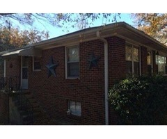 Amazing 2 Bedroom, 1 Bath home in the heart