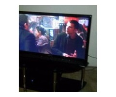 Flat Screen 47 inch includes coffee table