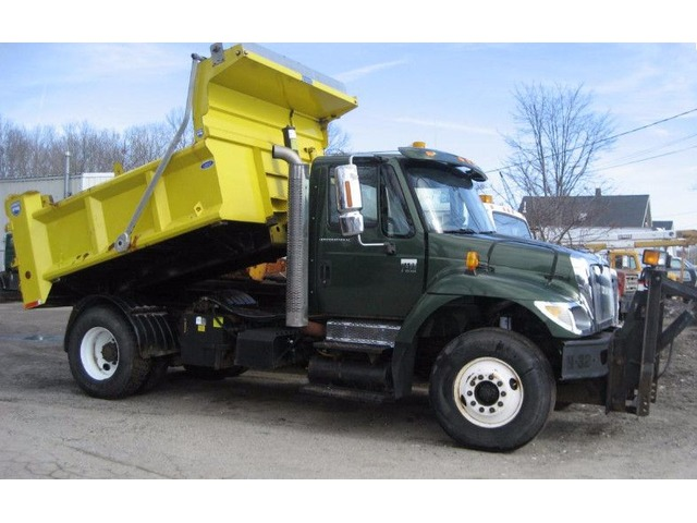 2002 INTERNATIONAL 7400 dt466 250hp | free-classifieds-usa.com