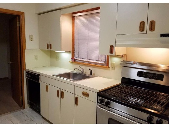 Cozy 2 Bedroom Apartment In Whitestone For Rent | free-classifieds-usa.com