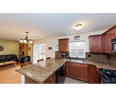 Well kept 2 bdrm 2.5 bath home in adorable community