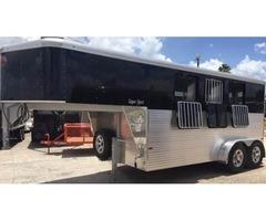 New Sundowner 3 Horse Trailer Goosenenck - Rio Grande Valley