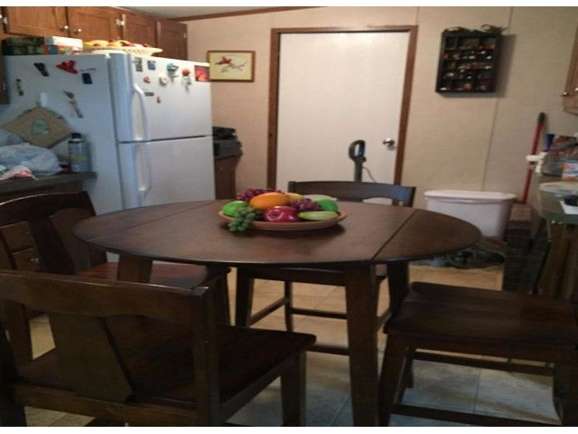 Kitchen table w/4 chairs | free-classifieds-usa.com