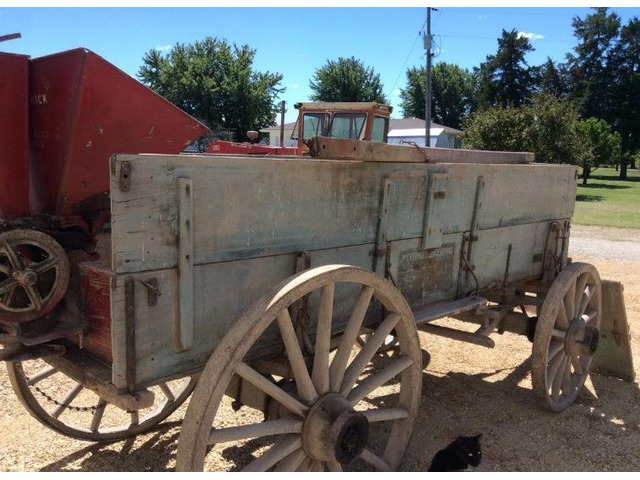 Old Wagon Gears : Antique wooden wagon and gear art collectibles