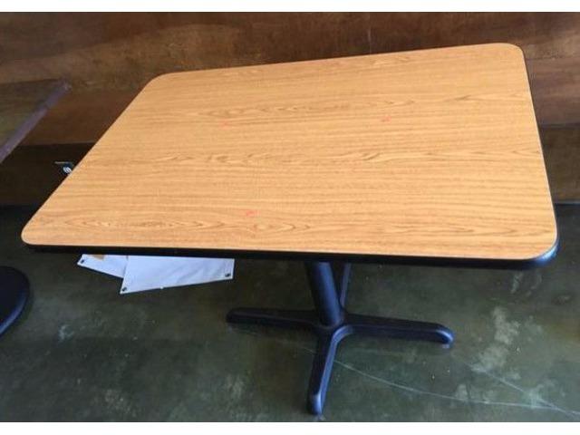 Lot of (6) Restaurant Tables | free-classifieds-usa.com