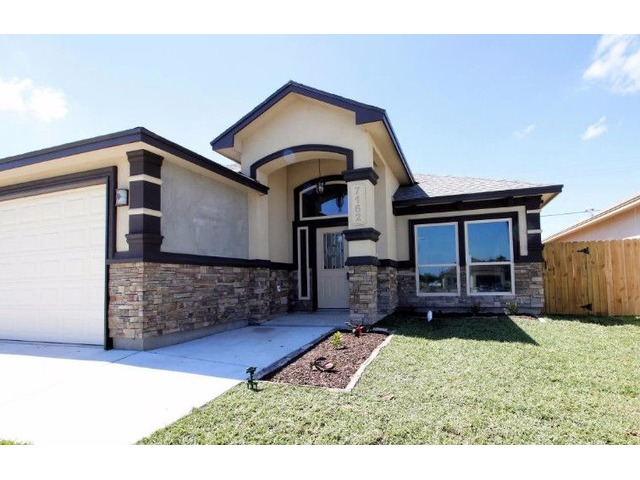 3/2/2 Front side stucco home | free-classifieds-usa.com