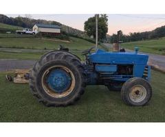 4000 Ford diesel farm tractor